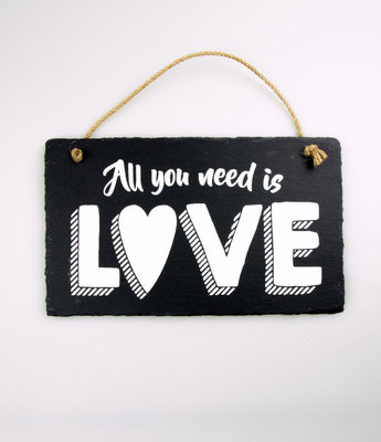 Leisteen All You Need Is Love