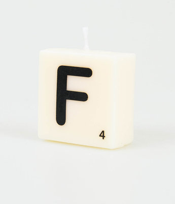 Letter Kaarsje F