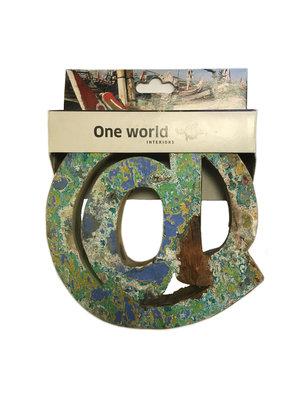 One World Interiors Houten Cijfer Apenstaartje teken