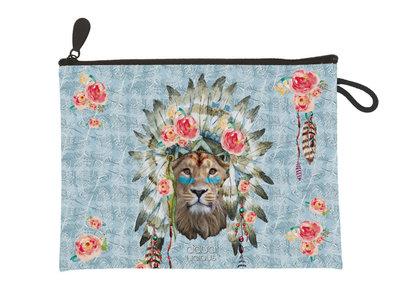 Aqua-licious Clutch Lion